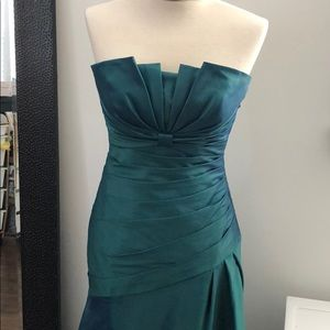 Dresses & Skirts - Iridescent green/blue bridesmaid prom dress